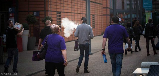 Vapers on the the street