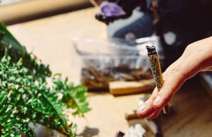 artist-smoking-marijuana